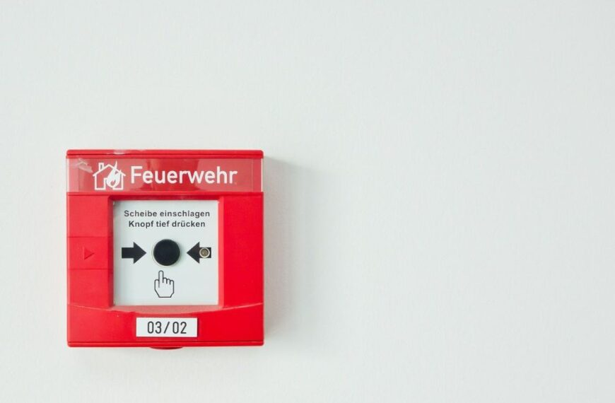 What Kind Of Battery For Smoke Detector Should You Use?